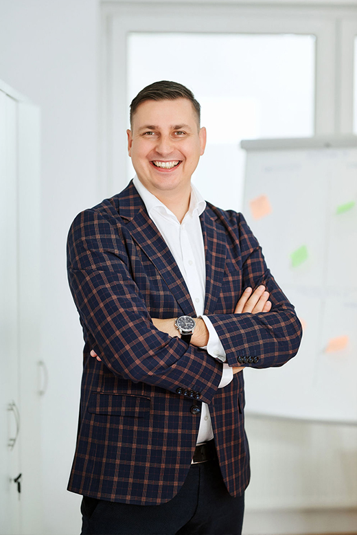 Wojciech Pitura Revas